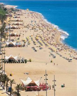 playa grande-strand in-calella vakantie spanje