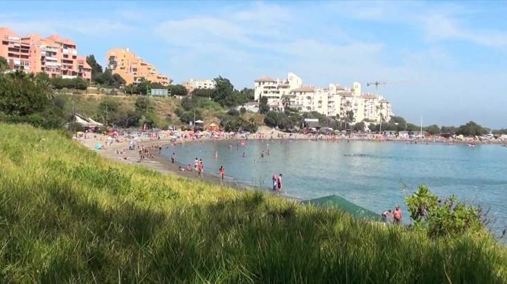 Playa del Cristo (Costa del Sol, Malaga Province) mooi strand zuid spanje
