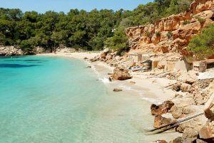mooiste stranden ibiza Cala Saladeta