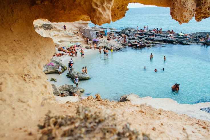 mooie bezienswaardigheden vakantie spanje architectuur, cultuur, gebouwen en prachtige natuur en stranden