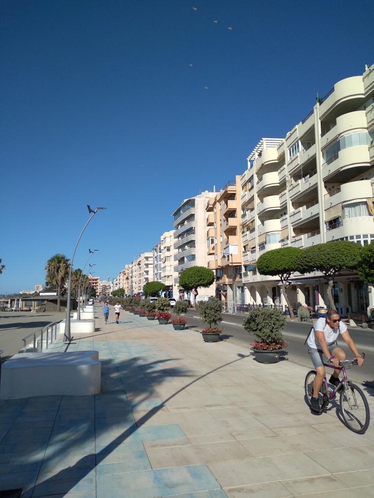 boulevard-estepona-vakantie-spanje-costa-del-sol-1