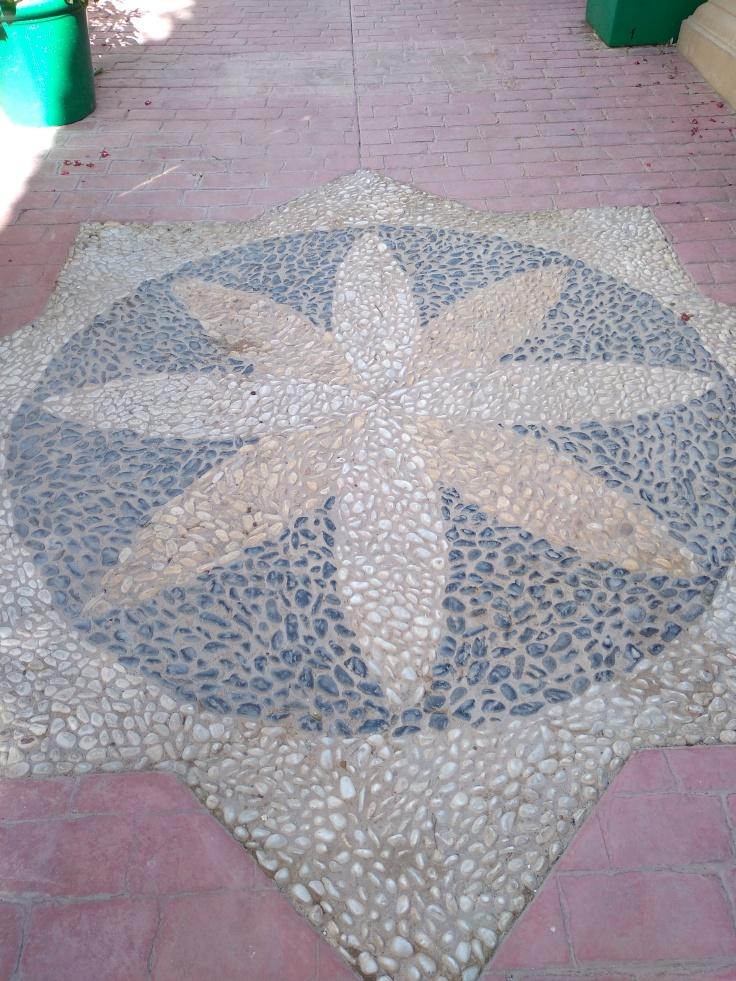 leuke-straatjes-en-pleintjes-in-estepona-met-veel-bloemen-vakantie-costa-del-sol-66-1