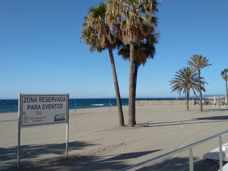 strand-in-centrum-estepona-vakantie-spanje-costa-del-sol-1